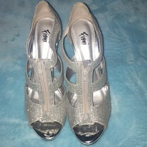 Shoes - Fioni silver heels